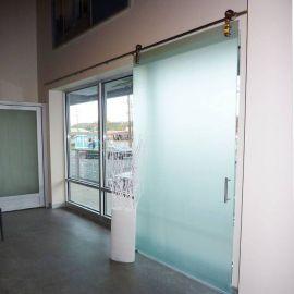 drzwi-szklane-przesuwne