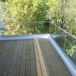 balustrada-szkło-bezbarwne